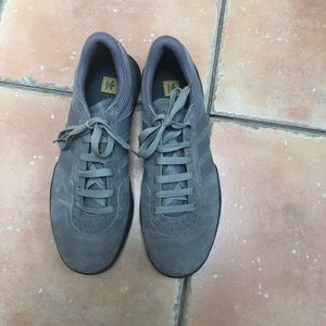 adidas light grey suede sneakers - brand new!! S 9